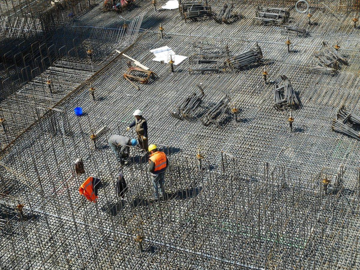 Ściśle z obowiązującymi przepisami nowo budowane domy muszą być gospodarcze.