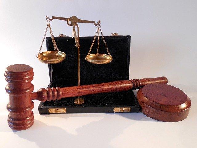 W czym umie nam wesprzeć radca prawny? W jakich sytuacjach i w jakich kompetencjach prawa wesprze nam radca prawny?